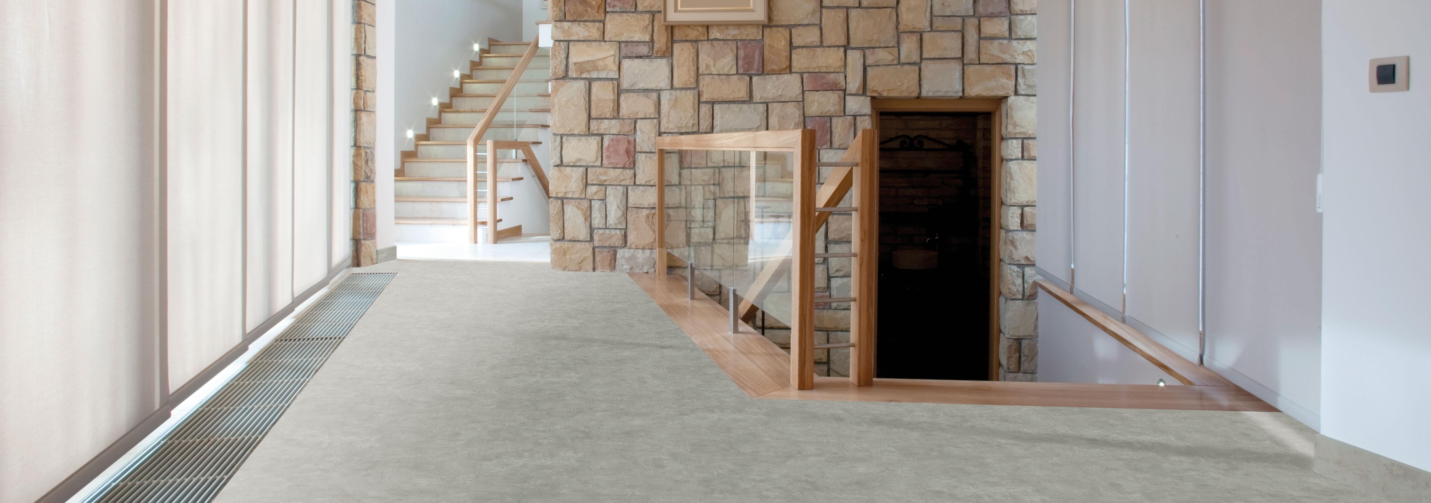 Designboden Stone Cement im Vorraum